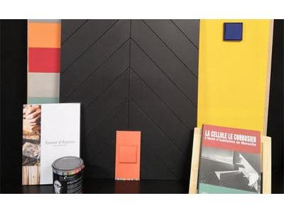 Les produits présentés aux couleurs de la polychromie de Le Corbusier